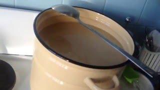 самогон с браги на изюме(В видео я показываю результат сбраживания и перегонка самогона с добавлением изюма в качестве подкормки...., 2016-02-11T07:30:04.000Z)