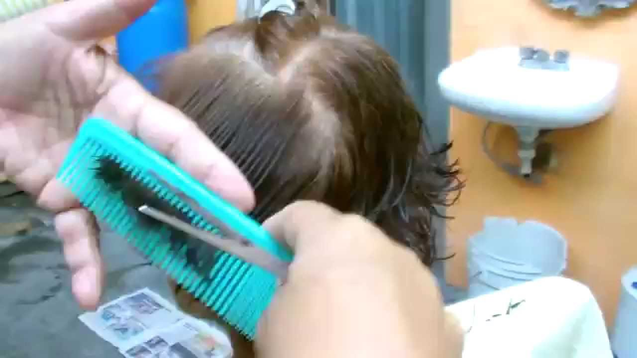 Corte de cabello tipo pato para mujer
