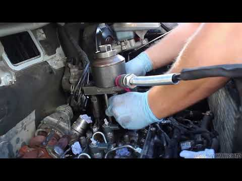 Seized Diesel Injector Removal - 2012 Renault Trafic 2 0dCi - M9R786 M9R  Vivaro Primastar
