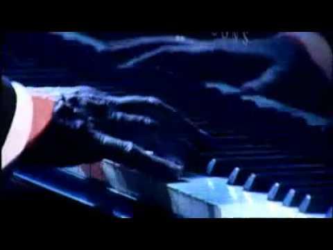 "Carl Doy performs the ""Phantom of the Opera Medley"""