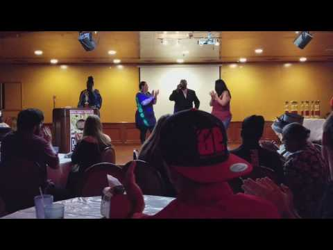 LARIE D EDWARDS SERENADES BENITA AUSET AND MINE ONER AT THE DUBCEEZ AWARDS IN CHICAGO