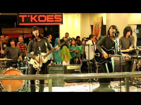 "T'koes Band "" Omah Gubuk """