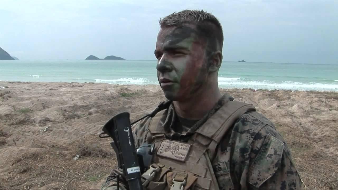Marine conduct amphibious assault during Cobra Gold 2012