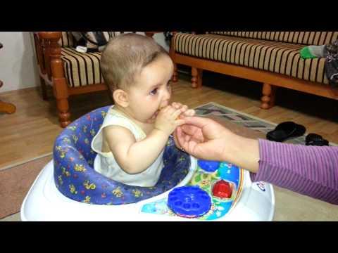 Kızımın meyve aşkı :) 28/07/2013