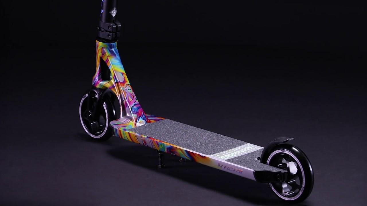 Blunt Prodigy S8 Stunt-Scooter Deck mit Griptape Swirl