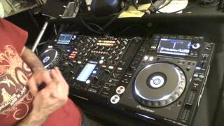 DJ MIXING TUTORIAL. How to Mix tunes with different  BPM