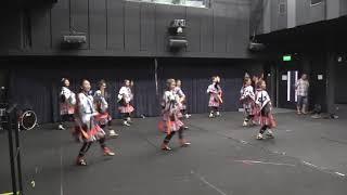 Publication Date: 2017-11-16 | Video Title: Seng girls Tibetan dance at IS