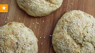 Булочки с кунжутом на кефире. Рецепт без яиц от Мармеладной Лисицы(Творожно-кефирное тесто для булочек, пиццы, хлеба без дрожжей: http://youtu.be/785TMLemRA8 Вегетарианские гамбургеры:..., 2014-09-08T08:37:44.000Z)