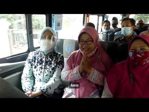 Penyerahan 1 Unit Bus Sekolah di SMP Islam Taufiqurrahman Depok