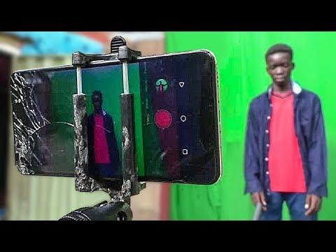 Нигерийские Подростки Снимают Фантастику на Телефон