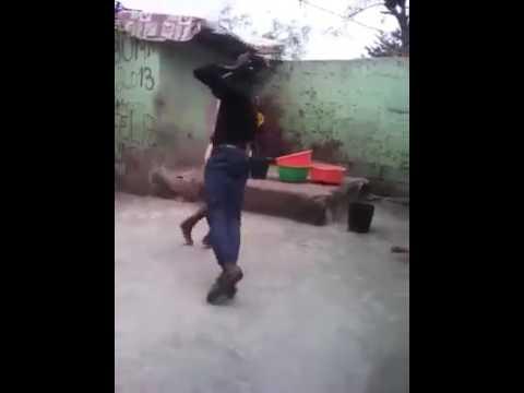 Bumbum Granada - Negros dançando thumbnail