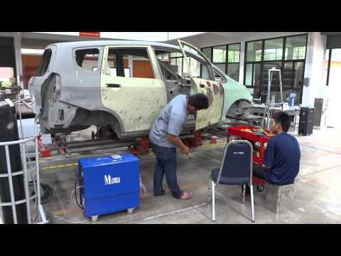 งานซ่อมตัวถังรถยนต์ ณสถาบันพัฒนาฝีมือแรงงานภาค ๘ นครสวรรค์