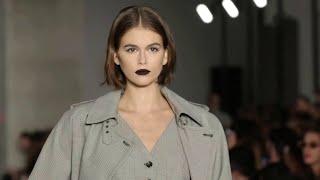 На Миланской неделе моды женственность и элегантность правили бал.