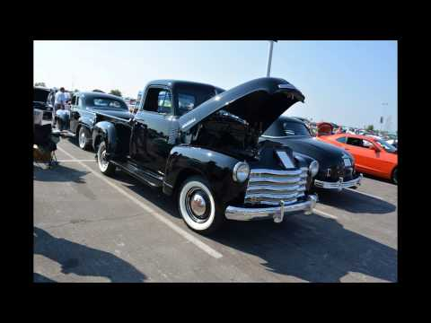 Cruise to the K KC Royals Car Show