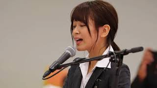 AKB48チーム8 太田奈緒さんの選挙公約達成記念イベント in 京都トヨタ本社店 「夜風の仕業」のピアノ弾き語りです.