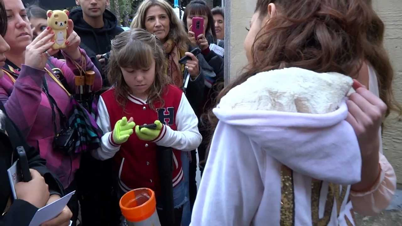 Meeting Ariana Grande At Quot A Snow White Christmas Quot 12 29 12