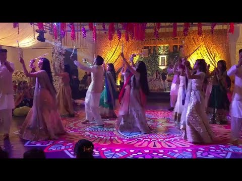 Pakistani Girls Best Mehndi Dandiya Dance 2018