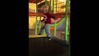 Trev slow mot trampoline