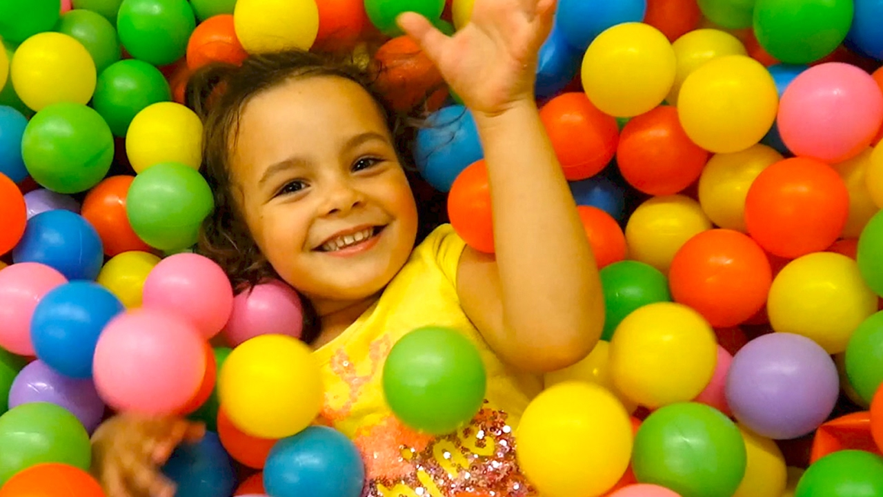 Ball Pit Show Kids Indoor Playground Color Children Toys Surprise Eggs Hunt