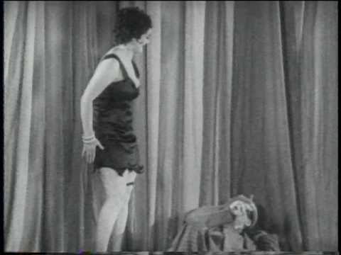 Paramount short: Hollywood on Parade (1934) (excer...