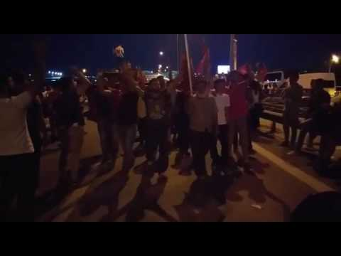 Darbe Girişimi Sonrası Kurtköy Demokrasi Nöbetinde ! (Polis Asker çatışması Sonrası Ilk Görüntüler)