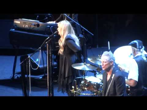 """Gypsy"" Fleetwood Mac@Wells Fargo Center Philadelphia 10/29/14"