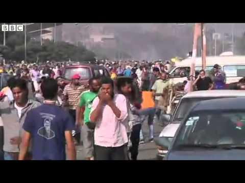 Egypt crisis: 'Scores killed' at Cairo protest