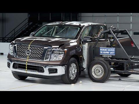 2017 Nissan Titan crew cab side test