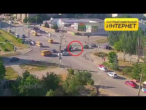 ДТП (авария г. Волжский) ул. Мира ул. Оломоуцкая 05-06-2019 18-28