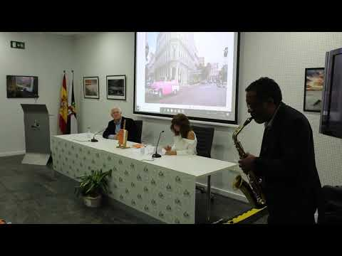 Tula Fernández presenta su primera novela, 'La boca de los cien besos'
