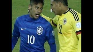 Neymar briga com cabeçada provoca confusão e acaba expulso leva cartão vermelho brasil e colombia