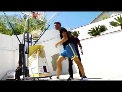 Lonzo Ball Practices in his Backyard On the Concrete NOT in the Gym Like Other Players Do