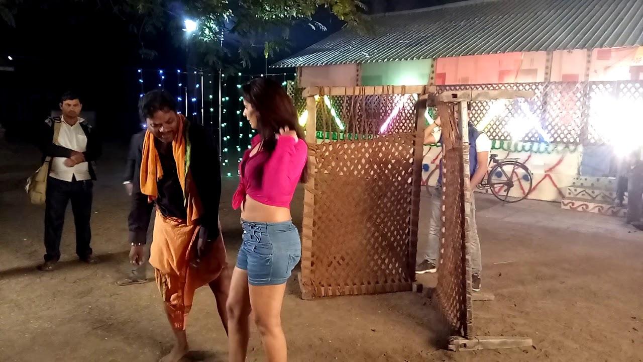 On location Rakesh Mishra Aur Poonam Dubey sexy song