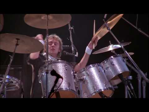 Queen - I'm in Love With My Car (live in Montreal 81) HD