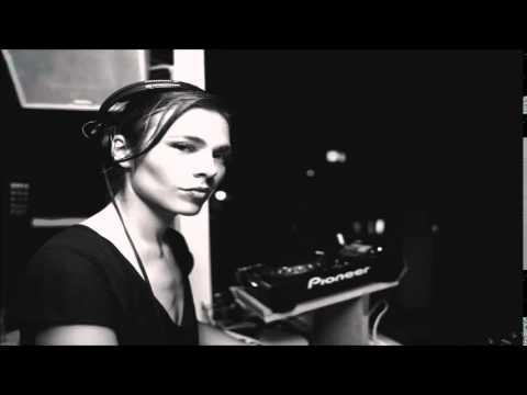 Nina Kraviz - Prozimokampleme (Original Mix) (TRIP Records / TRP001)