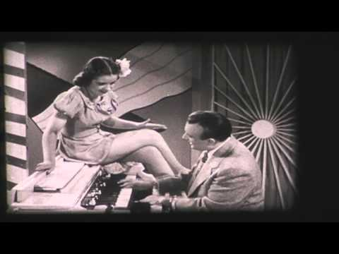 The Three Suns: Caravan (1944) Official Films Musical Soundie