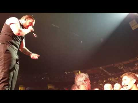 Brent Smith kicks guy out of show