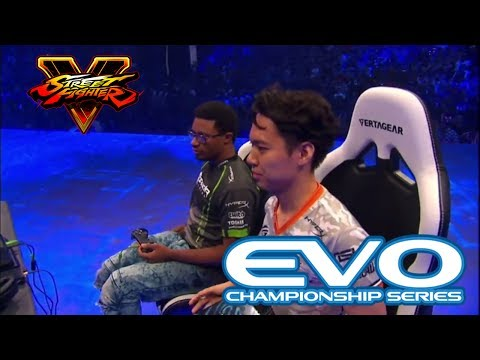 Street Fighter 5 Grand Final - EVO 2017