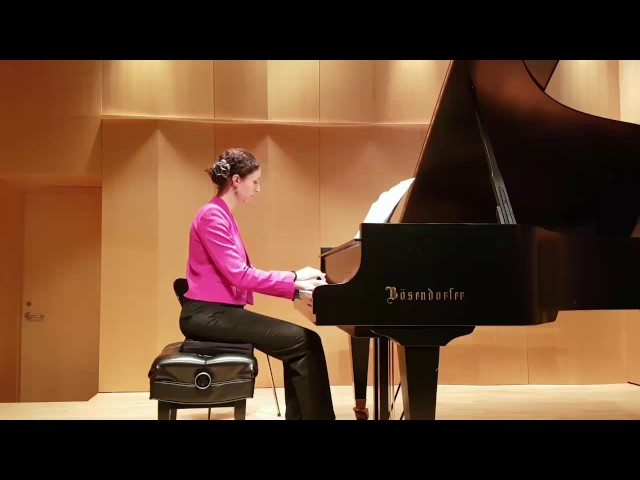 Aziza joue Satie | Piano lessons with Tristan Lauber