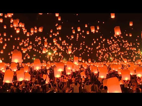 Lantern festival lights up sky over northern Thailand