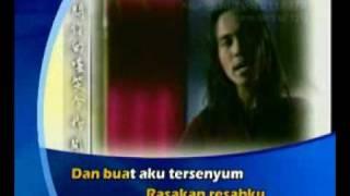 Download Lagu Sheila On 7 - Buat Aku Tersenyum (Official MV)</b> Mp3