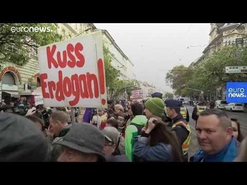 Erdoğan Macaristan'da: 'Baktık bu iş olmuyor, kapıları açmak zorunda kalırız'