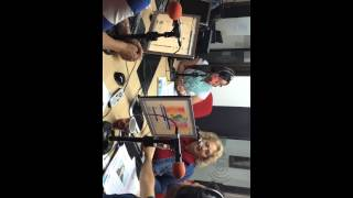 Carmen Mirabal en Radio Universidad, Bogota Colombia thumbnail