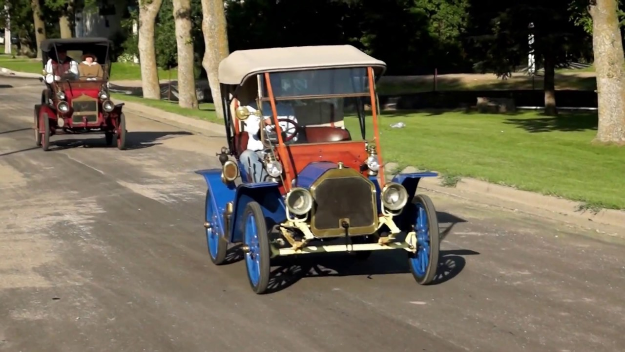 31st Annual New London to New Brighton Antique Car Run - YouTube