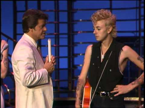 Dick Clark Interviews Stray Cats - American Bandstand 1982