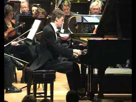 Andrei Pisarev plays Campanella by Paganini-Liszt