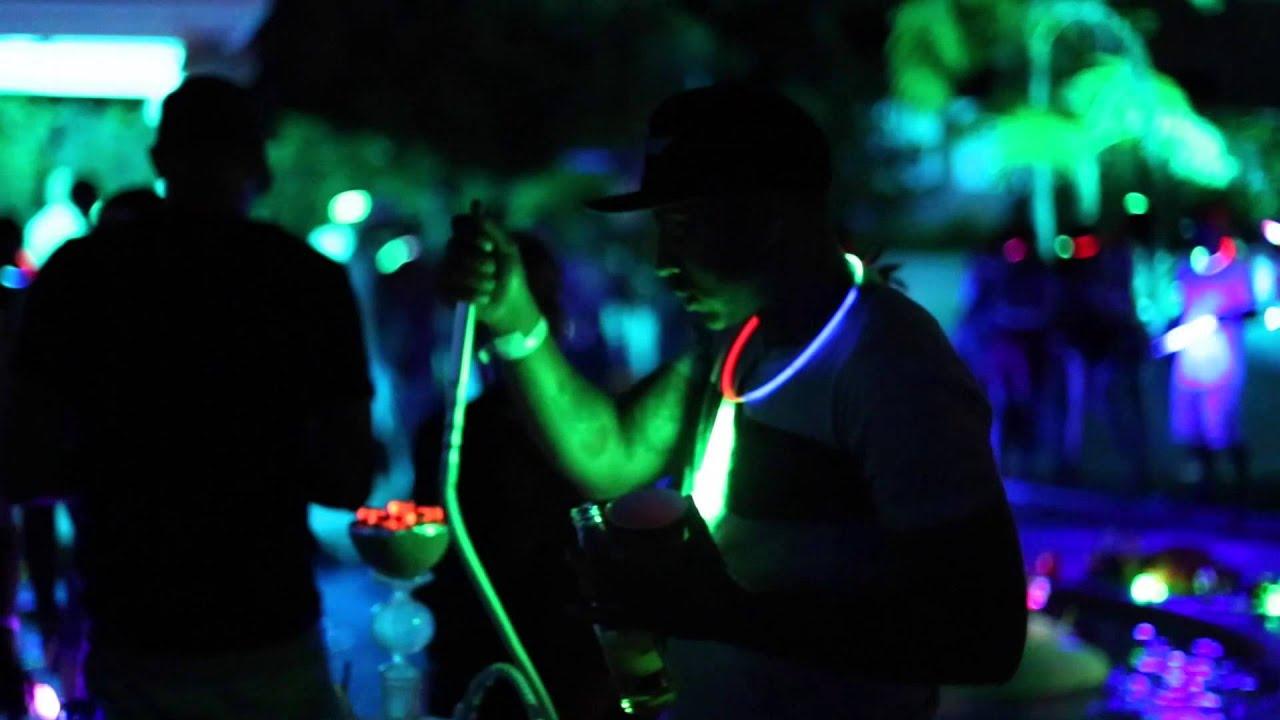 Hookah fly glow in the dark pool party youtube - Glow in the dark swimming pool toys ...