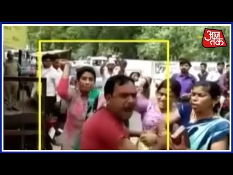 Two Arrested After Clash Between Two Groups In Unnao: Aaj Subah