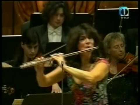Mozart Flute Concerto No. 1 - Irena Grafenauer (2/3)