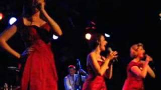 The Puppini Sisters \ 1 @ Martyrs 082407